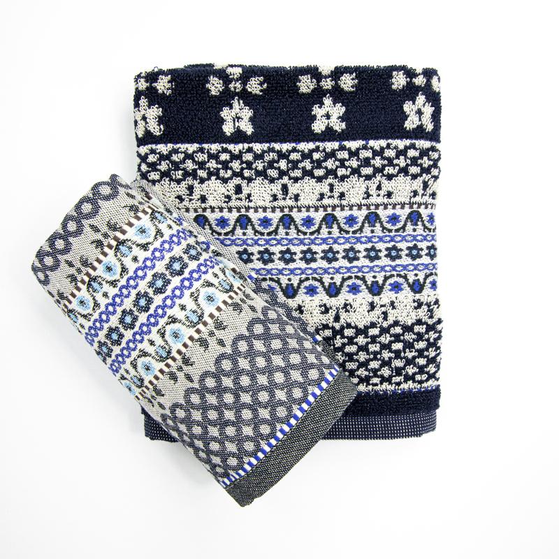 Theedoek-handdoek-donker-blauw-bloemen-patroon-hoekje-giessenburg-graanbuurt