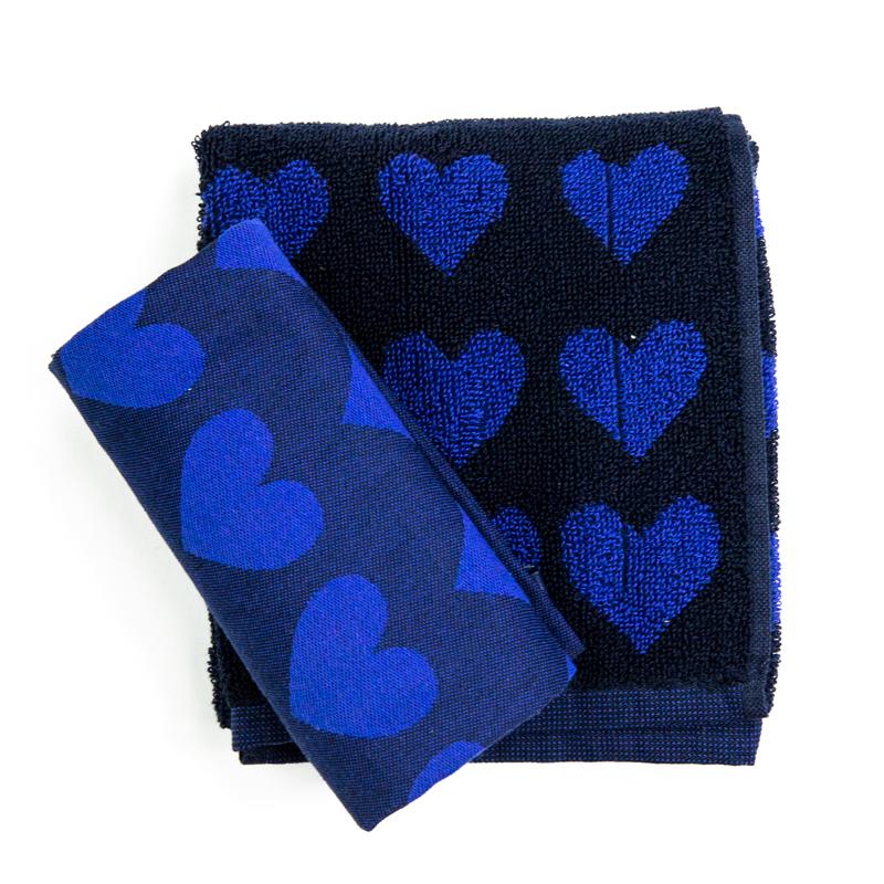 Theedoek-handdoek-harten-donker-blauw-bloemen-bunzlau-hoekje-giessenburg-graanbuurt