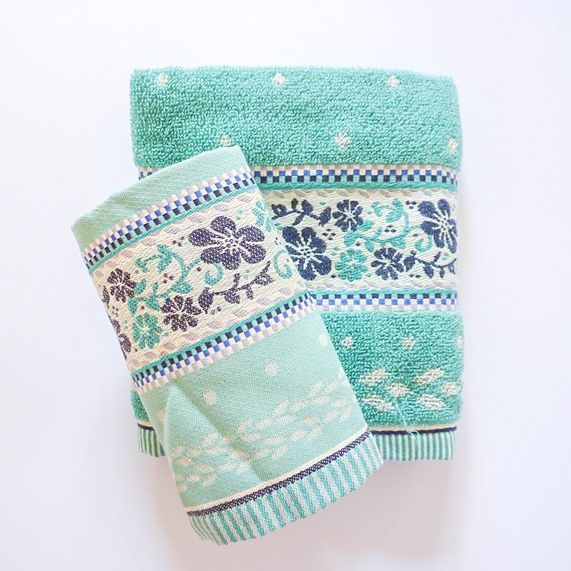 Theedoek-handdoek-licht-blauw-mint-bloemen-bunzlau-hoekje-giessenburg-graanbuurt